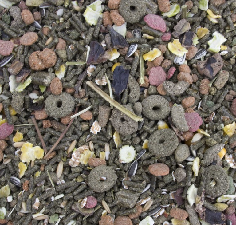 Muesli mix with few flakes and lots of pellets and extrusions